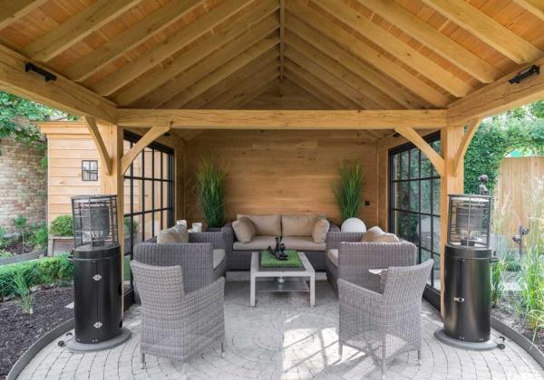 Landelijke bijgebouwen poolhouses tuinhuizen of garages for Landelijke stadstuin